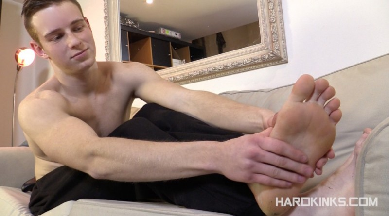 Feet Chat Tyler Roding  Redixxfootcom - Gay Foot And -2238