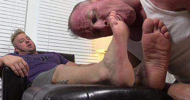 Aaron Bruiser Foot Worshiped By Dev
