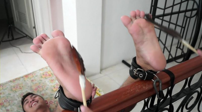 Lance Tickled Soles Up 5