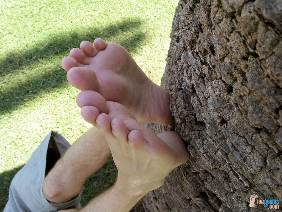 Foot Fun In The Park With Justin