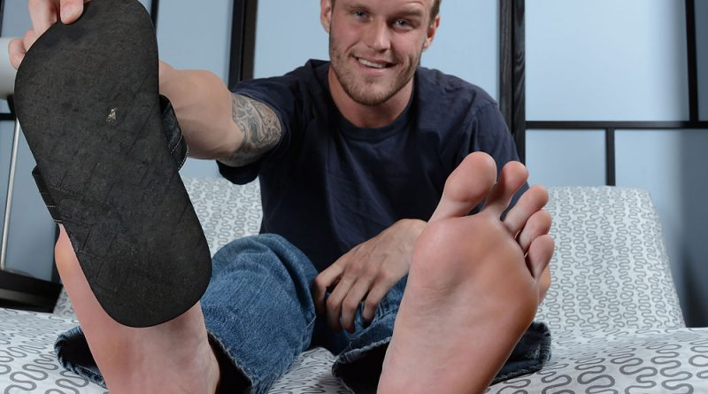 Shawn Reeve's Size 12 Bare Feet & Flip-Flops 2