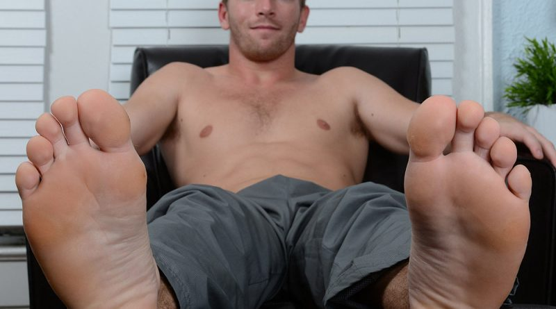 Scott Ryley's Socks And Bare Feet Photos 1