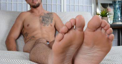Elijah J's Size 12 Feet & Ankle Socks 6