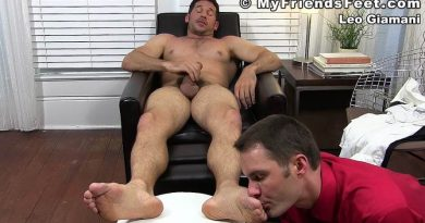 Boss Leo Giamani's New Foot Intern 5