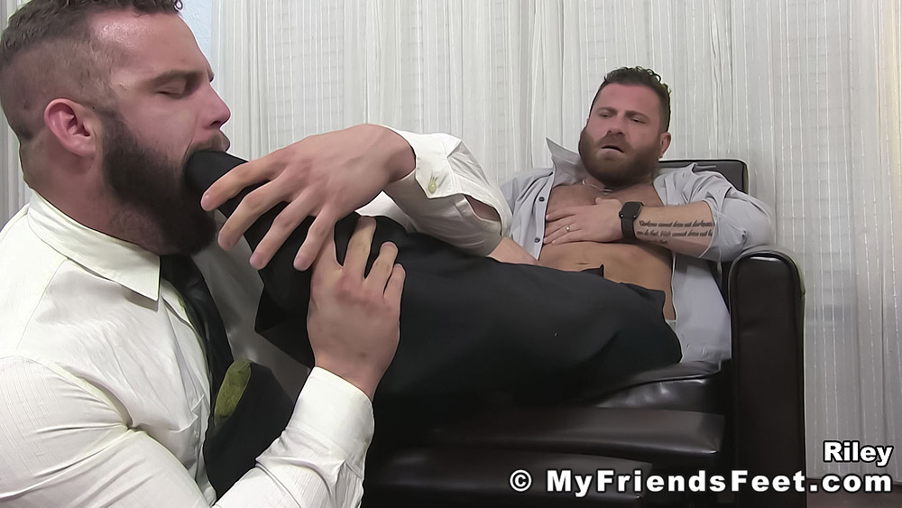 Daxx Carter Worships His Boss Riley 1