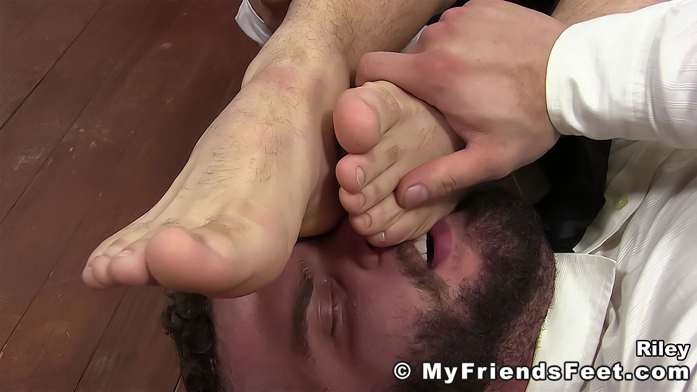 Daxx Carter Worships His Boss Riley 5