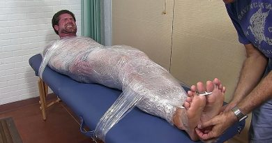 Clint Mummified & Tickled Insane - Clint 1