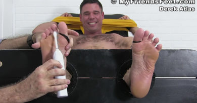 Derek Atlas Tickled Naked