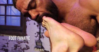 Foot Fanatic: Ricky Larkin & Brian Bonds