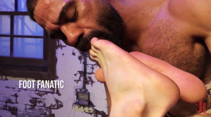 Foot Fanatic: Ricky Larkin & Brian Bonds