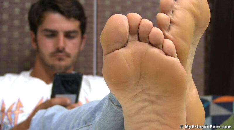 Spy On Danny Size 11 Feet